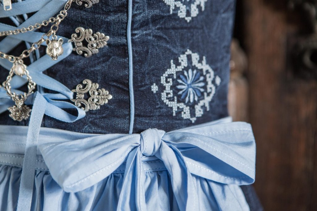 Blaue Maid - Superstretch-Dirndl