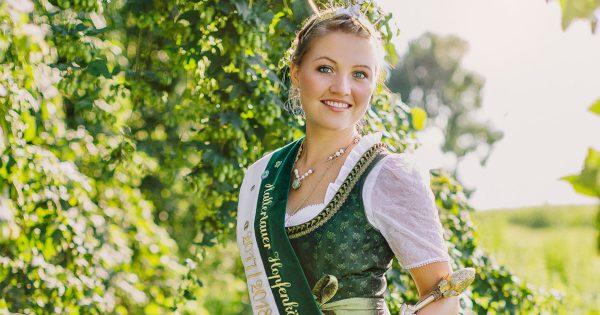 Hallertauer Hopfenkönigin 2017/2018 - Theresa Zieglmeier - Foto (c) Michaela Curtis