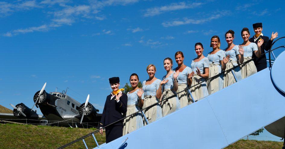 Lufthansa Trachtencrew 2015