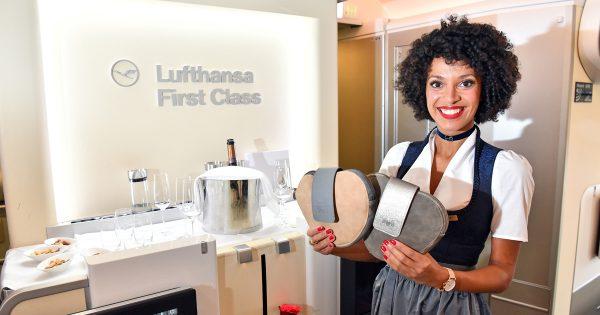 Lufthansa Trachtencrew 2017