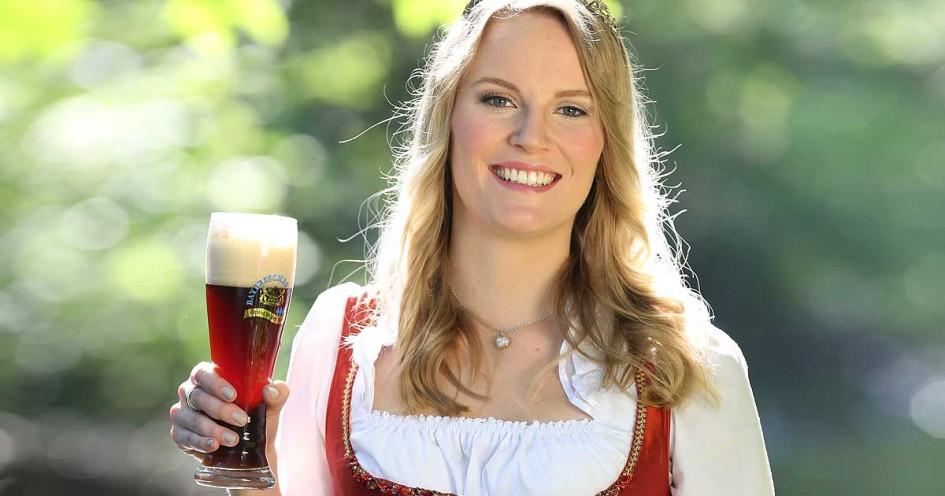 Bayerische bierk nigin dirndl trachten blog for Bayerische dekoartikel
