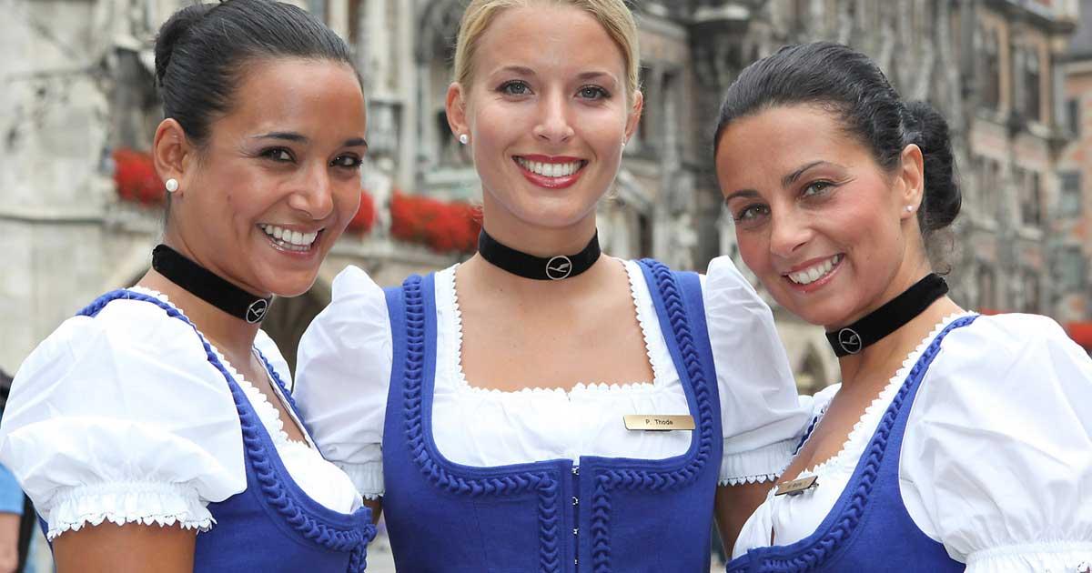Die lufthansa trachtencrew dirndl trachten blog for Bayerische dekoartikel