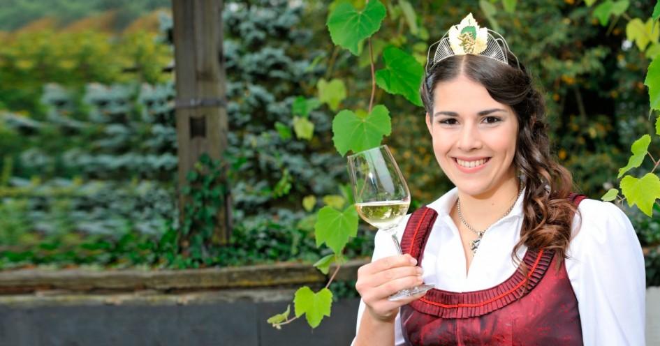 Steirische Weinkönigin 2014 Anne Grießbacher